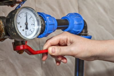 Knowing how to turn off your home's water is good plumbing maintenance.